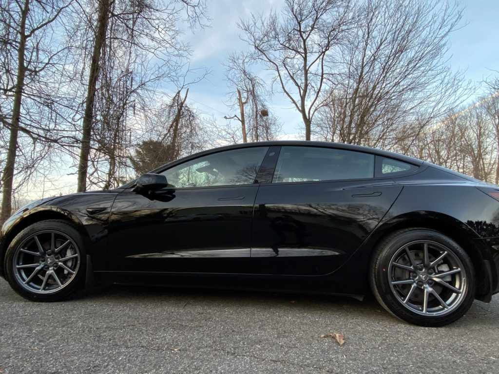 Chrome delete with aero wheels, solid black Model 3 – Tesla Model 3 Wiki